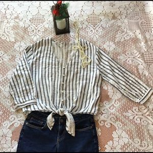 ❤️Three Dots cotton gray striped tie front blouse